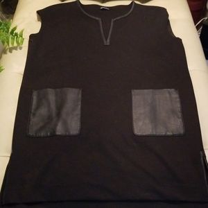 Athena Marie Tops - Athena Marie black tunic with leather pockets sz L